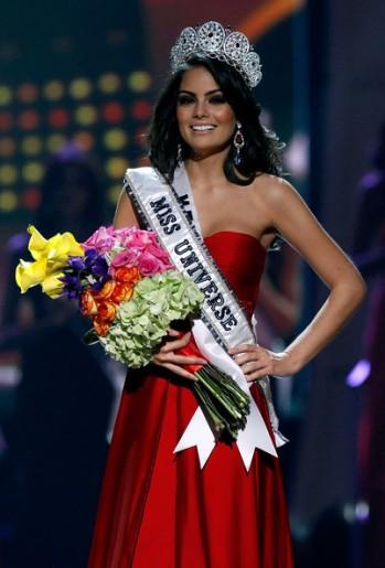 Jimena+Navarrete+2010+Miss+Universe+Pageant+CQw_rhEX_44l